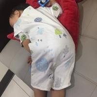 讓寶寶活動自如又能舒適甜睡的~奇哥【森林家族四層紗兩用防踢背心】